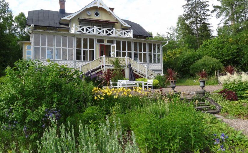 Besök i fascinerande trädgård